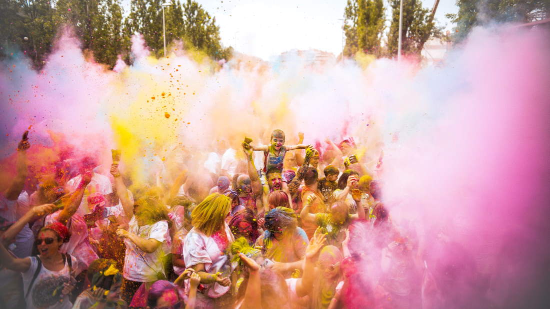 Fiestas Holi Holidolly
